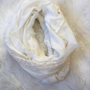 super cute scarf with lace